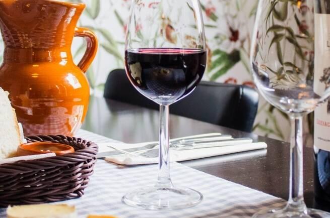 Revisa su vinoteca en casa