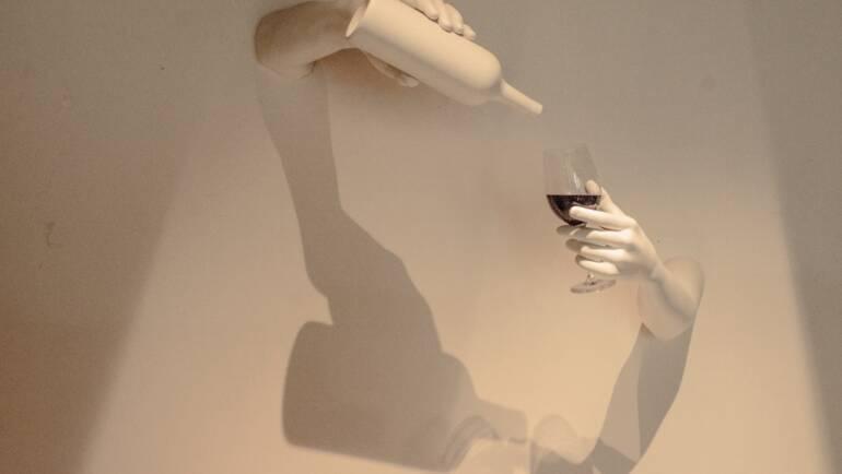 ¡Una copa cristalina, por favor!