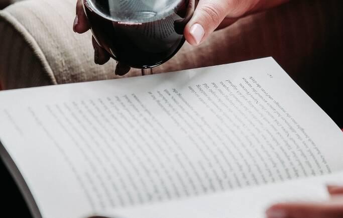 Un buen vino y un buen libro…